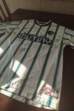 Carlos Valderrama Tampa Bay Mutiny signed jersey