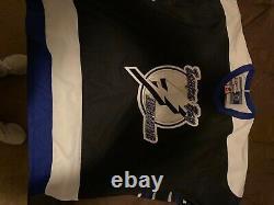 Tampa Bay Lightning Hockey Jersey XL