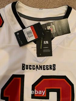 Tom Brady Tampa Bay Buccaneers Nike Vapor Limited Jersey White Large Authentic